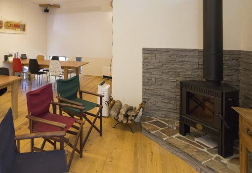 暖炉コーナー