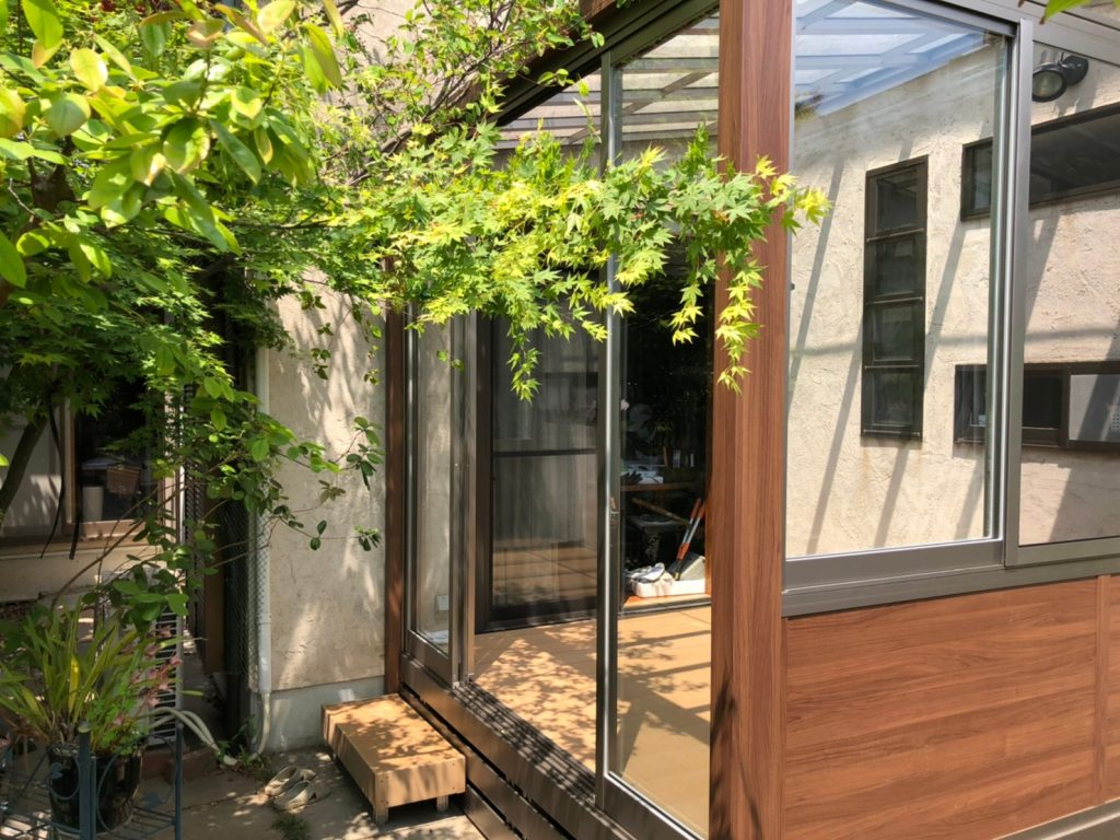 ガーデンルームGF LIXIL 樹ら楽ステージ サンルーム オシャレ ウッドデッキ 目隠し 福岡市