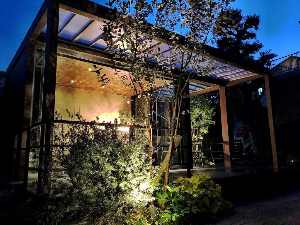 施工写真 タケウチ 外構 福岡 ガーデン お庭 ホームヤードルーフ オールグラスポーチ デッキ テラス インターロッッキング タカショー