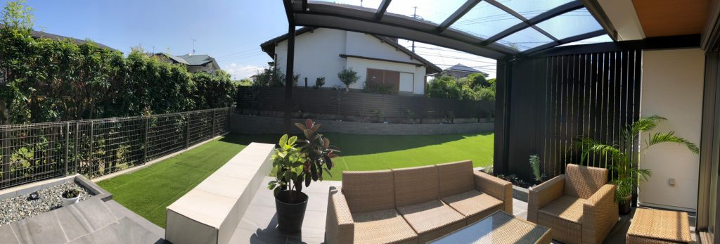 福岡,LIXIL,+G,庭,リフォーム,ガーデン,かっこいい,人工芝,テラス,防草,ガーデンファニチャー,植栽,目隠し,フェンス,縦格子